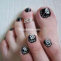 This is very similar to the nailart currently on both of my big get ready to make your toe nails awesome with the highlights of cute toe nail designs now you would be thinking in mind that what toe nail designs have prinsesfo Gallery