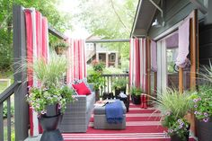 Fifteen Gardening Recommendations On How To Get A Great Backyard Garden Devoid Of Too Much Time Expended On Gardening Deck Pictures From Hgtv Urban Oasis 2015 Deck Curtains, Privacy Curtains, Outdoor Curtains, Outdoor Rooms, Outdoor Living, Privacy Screens, Patio Privacy, Outdoor Kitchens, Apartment Deck