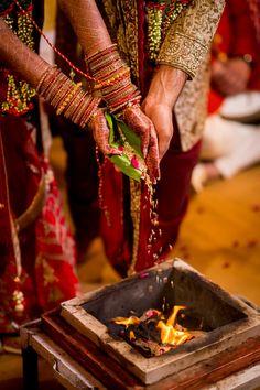 An Indian Wedding Spanning 5 Days! wedding photography An Indian Wedding Spanning 5 Days! Indian Wedding Pictures, Indian Wedding Couple Photography, Indian Photography, Indian Pictures, Bridal Photography, Photography Ideas, Photography Couples, Hindu Wedding Photos, Hindu Wedding Ceremony