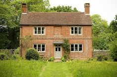 OLDE ENGLISH FARMHOUSE