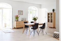 Stoel KLARUP + eettafel/dressoir/vitrinekast KALBY | JYSK