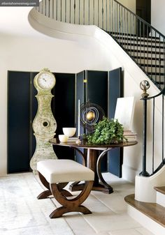 Furniture by Robert Brown for MacRae Designs. Photo by Erica George Dines. From Atlanta Homes and Lifestyles magazine.