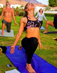 Veronika Tulaeva - the yoga teacher. Group and private classes for beginners and advanced. Yoga intensives (seminars). Yoga23 classes. Yoga online. Yoga in Phuket (Thailand). Yoga in Moscow. Yoga workout video, Schedule of current classes. Yoga on the beach.