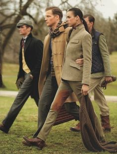 huntandflynn: Oh my, what long strides! Walking with a purpose ... but I still like the clothes.  styleclassandmore:  http://www.styleclassandmore.tumblr.com  www.huntandflynn.co #inspiration