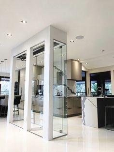 Glass Wine Cellar, Home Wine Cellars, Wine Cellar Design, Wine Shelves, Wine Storage, House Extension Design, House Design, Verre Design, Glass Cube