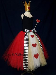 This adorable Heart Queen tutu skirt is great for an Alice in Wonderland theme party, Halloween costume or just for fun! This skirt is made with a black stretch crochet waistband then I add layers of fluffy red, white and gold tulle with glitter tulle mix Red Queen Costume, Queen Of Hearts Costume, Costumes Jupe, Diy Costumes, Costume Halloween, Halloween Costumes For Adults, Tutu Rock, Gold Tulle, Alice In Wonderland Costume