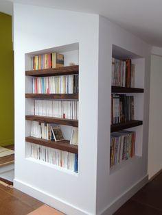 Rangement étagère intégrée http://www.agencement-bicolor.com/galeries/etageres-integres-dans-niche