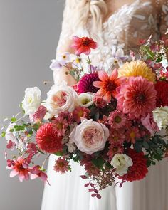 A beautiful spring bouquet! Pink Wedding Colors, Modern Wedding Flowers, Blush Wedding Flowers, Wedding Flower Inspiration, Bridal Flowers, Floral Wedding, Wedding Ideas, Bride Bouquets, Bridesmaid Bouquet