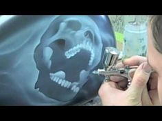 How to airbrush the ever popular skull