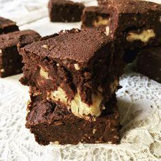 La toute dernière recette du blog, vous l'avez vu ? Ces brownies aux noix super moelleux & protéinés 😍 Le lien est dans ma bio ! Je reçois beaucoup de questions sur les protéines que j'utilise alors pour info, dans toutes mes recettes, je prends les protéines de pois de chez @nu3_fr. Elles conviennent parfaitement pour cuisiner & la composition est totalement clean 👌🏼 Je vous la mets en story si elle vous intéresse avec la compo & les macros ! Et surtout, contrairement aux autres…