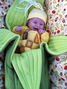 Our contest winner :-) Handmade costume! Where the Wild Things Are Kid's Costume flowered baby onsie Awesome baby costume Cutest baby sweate. Food Halloween Costumes, Cute Costumes, Baby Costumes, Halloween Fun, Costume Ideas, Cute Kids, Cute Babies, Funny Kids, Corn Costume