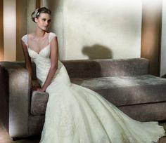 Adela - Kifutó modellek - Esküvői ruhák - Ananász Szalon - esküvői, menyasszonyi és alkalmi ruhaszalon Budapesten