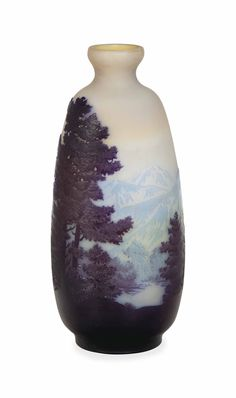 A FRENCH ETCHED CAMEO GLASS FLATTENED VASE, SIGNED IN CAMEO 'GALLE', CIRCA 1910