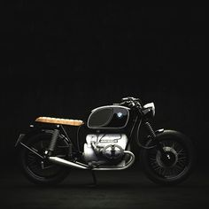 "combustible-contraptions: ""BMW 900 Cafe Brat 