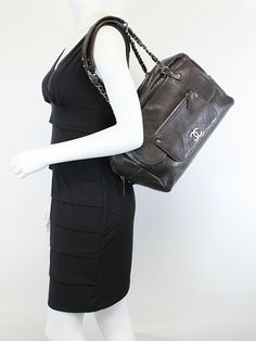 Pre Owned Louis Vuitton, Vintage Louis Vuitton, Louis Vuitton Handbags, Used Chanel Bags, Designer Bags, Hand Bags, Leather Backpack, Easy, People