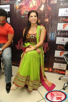 C Cup Breast Asian Sunny Leone is ready f...
