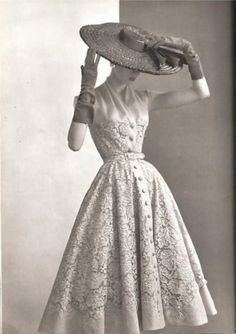 fifties-fashion-clothes-outfits-woman-photoshoot