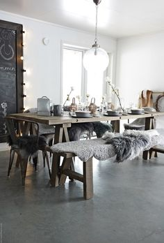 Kitchen Dinning Room, Dining Room Table, Dining Rooms, Transitional Decor, Rustic Interiors, Contemporary Decor, Home Decor Accessories, Home And Living, Decoration