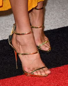 Gigi Hadid Photos Photos - Model Gigi Hadid, shoe detail, attends the 2015 MTV Video Music Awards at Microsoft Theater on August 30, 2015 in Los Angeles, California. - 2015 MTV Video Music Awards - Arrivals