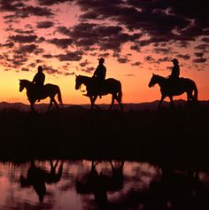 America's Best Dude Ranches - Articles | Travel + Leisure. I'm putting all 13 on my bucket list.