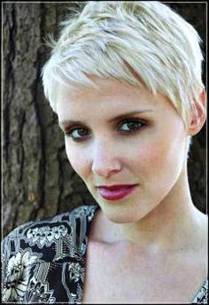 very short haircuts for women_3