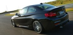 BMW M235i Track Edition, otra vuelta de tuerca al pequeño cupé bávaro - http://www.actualidadmotor.com/2014/07/19/bmw-m235i-track-edition-otra-vuelta-de-tuerca-al-pequeno-cupe-bavaro/