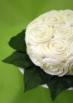 Rose cake. (Recipe in Spanish.)