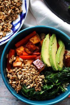 sweet and spicy roasted vegetable and tofu hippie bowl Healthy Vegetarian Meal Plan, Vegetarian Recipes, Healthy Foods, Thing 1, Sweet And Spicy, Tofu, A Food, Food Processor Recipes, Meal Planning