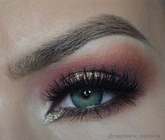 Peach Smokey Eye with a Pop of Gold