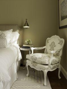 Bedroom with Headboard - San Francisco - Artistic Designs