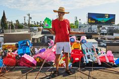 The legendary L. artist's new public sculpture brings us face to face with an ecological crisis Giant Truck, Large Ceramic Planters, Kenny Scharf, Artistic Installation, Street Artists, Artist Art, Artsy, Pissed, Yamamoto