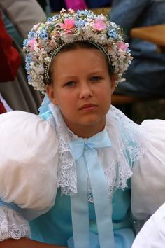 Láb village, Záhorie region, Western Slovakia. Kids Around The World, We Are The World, People Around The World, Traditional Fashion, Traditional Outfits, Countries Europe, Costumes Around The World, Art Populaire, Small Wonder