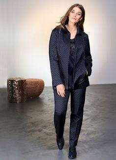 Exklusive Mode in Größen 42bis 64 von selection by Ulla Popken #exklusiv #damenmode #businessmode #plussize #elegant #style #fashion #plussizestyle #jacquard #jacke #jacket