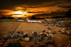 Checklist: How to book the cheapest long-haul-flight – a beginners guide Travel Icon, Travel Tours, Travel Maps, Japan Travel, Budget Travel, Travel Destinations, Have A Good Flight, Responsible Travel, Long Haul