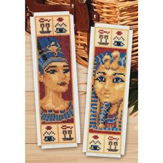 Cross Stitch Bookmarks, Counted Cross Stitch Patterns, Hand Embroidery, Cross Stitch, Sharpies, Bracelets, Dots, Marque Page, Book Markers