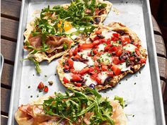 Grilled Pizzettas recipe from #FNMag