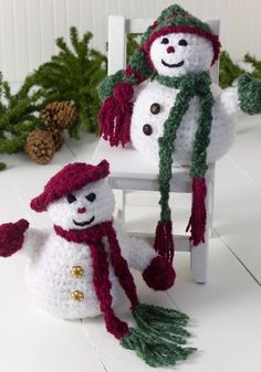 Mr. & Mrs. Frosty in Red Heart Light & Lofty - WR2018. Discover more Patterns by Red Heart Yarns at LoveKnitting. We stock patterns, yarn, needles and books from all of your favorite brands.