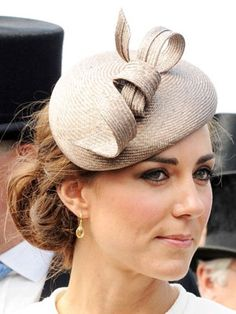 Catherine, Duchess of Cambridge attends Investec Derby Day at the Investec Derby Festival at Epsom Downs Racecourse on June 2011 in Epsom, England. Get premium, high resolution news photos at Getty Images Estilo Kate Middleton, Kate Middleton Hair, Kate And Pippa, Catherine The Great, Evolution Of Fashion, Fancy Hats, Derby Day, Prince William And Kate, Royal Fashion