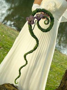 Trailing bride's bouquet with Vanda orchids, by Hanneke Frankema #vordemA