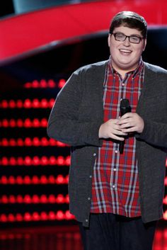 The Voice audition: Jordan Smith Covers Sia's 'Chandelier' in a Jaw-Dropping performance. He looks nothing like he sounds.