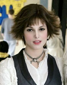 Ashley Greene as Alice Cullen from The Twilight Saga Twilight Vampire Powers, Alice Twilight, Twilight Saga, Ashley Green, Alice Cullen, Twilight Pictures, Dream Hair, Hair Inspo, Pretty People