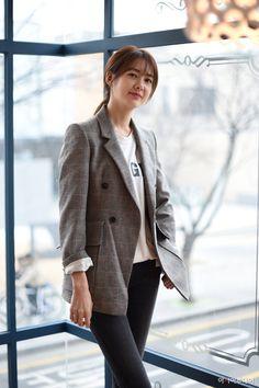 Lee yo won 2017 Asian Actors, Korean Actresses, Actors & Actresses, Joo Won, Kim Ji Won, Work Fashion, New Fashion, Korean Fashion, Lee Yo Won