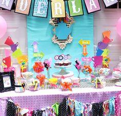 Alice in Wonderland dessert table #aliceinwonderland #desserttable #birthday