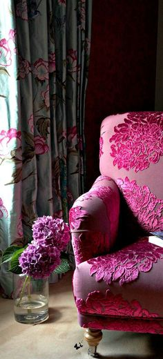 DEF: A piece of furniture that can be used but is also a piece of decoration. WHY: This chair can be sat on but the pattern and colors on it also make it a decoration Cortina Floral, Interior Decorating, Interior Design, Decorating Ideas, Everything Pink, Fuchsia, Take A Seat, Home And Deco, Interior And Exterior
