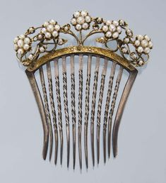victorian hair pin - Google Search Victorian Jewelry, Antique Jewelry, Vintage Jewelry, Victorian Gold, Vintage Hair Accessories, Vintage Hair Combs, Bridal Accessories, Wedding Jewelry, Victorian Hairstyles