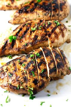 Best & Juiciest Grilled Chicken Breast | This is the best grilled chicken breast you will ever have in your life. The super easy marinade keeps the chicken so incredibly juicy that these will become the next grilled chicken breast legend. | sodamndelish.com
