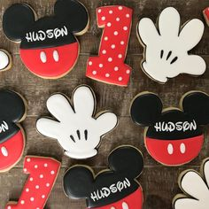 Mickey Mouse Birthday Decorations, Mickey 1st Birthdays, Mickey Mouse Cookies, Mickey Mouse Bday, Mickey Mouse First Birthday, Theme Mickey, Mickey Mouse Clubhouse Birthday Party, Kids Birthday Themes, Mickey Party