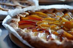CROSTATA DI PESCHE NETTARINE # dolci nostra produzione # crostata # peaches tart # fuorirotta # forte dei marmi # versilia # toscana