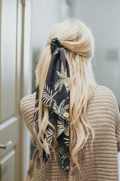 Hair Scarf Styles, Bun Styles, Ponytail Styles, Braided Ponytail, Fishtail Braids, Ponytail Ideas, Bobby Pin Hairstyles, Ponytail Hairstyles, Pretty Hairstyles