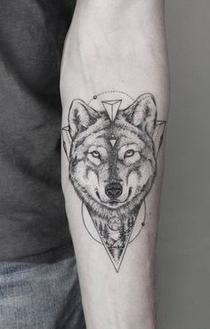 Ideas Of Cool Geometric Tattos Wolf Tattoos, Forearm Tattoos, Animal Tattoos, Sleeve Tattoos, Wolf Tattoo Meaning, Tattoos With Meaning, Wolf Tattoo Design, Wolf Design, Trendy Tattoos